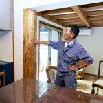 Kaさん自ら磨いたキッチンの柱